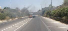 ΣΤΑ ΧΑΝΙΑ: Ανάφλεξη οχήματος στην εθνική οδό!