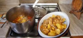 Γεύσεις Κρήτης με κουνέλι κοκκινιστό στο τσουκάλι με πατάτες