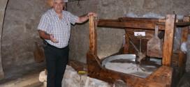 ΣΤΗΝ ΠΟΤΑΜΙΔΑ ΚΙΣΑΜΟΥ:  Εγκαινιάσθηκε και… λειτούργησε ο παλιός νερόμυλος του χωριού