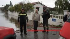 Δυνατές βροχοπτώσεις μετέτρεψαν περιοχές στο Ακρωτήρι και την Κίσαμο σε λίμνες
