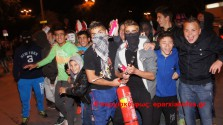 Μασκαράδες κατέκλυσαν την πλατεία της Δημοτικής Αγοράς