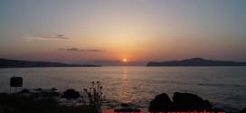 Το ηλιοβασίλεμα πηγαίνοντας για τον Πλατανιά