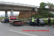Ολοσχερής καταστροφή αυτοκινήτου στην εθνική οδό από πυρκαγιά