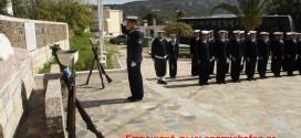ΣΤΟ ΜΝΗΜΕΙΟ ΠΕΣΟΝΤΩΝ ΚΑΝΤΑΝΟΥ  –  Κατάθεση στεφάνου από μαθητές Σχολής Δοκίμων Ναυτικού (Και βίντεο)