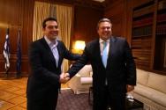 Η Ελλάδα λύγισε από την ανικανότητα των πολιτικών