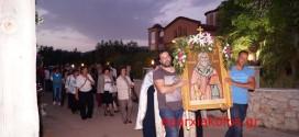 ΣΤΟ ΝΙΟ ΧΩΡΙΟ ΑΠΟΚΟΡΩΝΟΥ – Πανηγυρικός Εσπερινός στον Ιερό Ναό του Αγίου Θεράποντος (Και βίντεο)