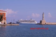 THE WORLD  –  Ένα πλωτό παλάτι στ' ανοιχτά στο Ενετικό λιμάνι