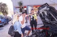 Πυρκαγιά επιβατικού οχήματος αναστάτωσε περαστικούς και περιοίκους στα Δικαστήρια