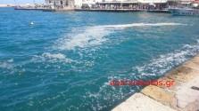 Ακαθαρσίες στο λιμάνι