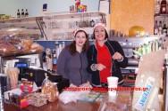ΣΤΑ ΧΑΝΙΑ ΚΑΙ ΣΤΑ ΧΩΡΙΑ – Χριστουγεννιάτικα κάλαντα από μικρούς και μεγάλους