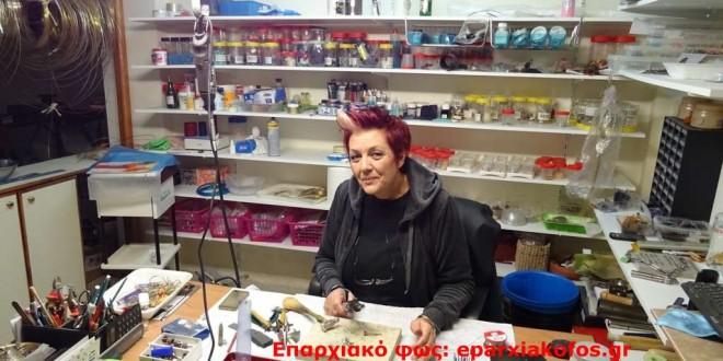 Χειροποίητο κόσμημα από Χανιώτισσα αυτοδίδακτη τεχνίτρια (Και βίντεο)
