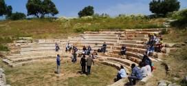 ΣΤΗΝ ΑΡΧΑΙΑ ΑΠΤΕΡΑ – Η πρώτη θεατρική παράσταση μετά την αρχαιολογική ανεύρεση του θεάτρου
