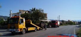 Εκτροπή φορτηγού με τραυματισμό στην Αγιά