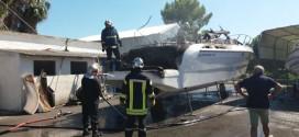 Πυρκαγιά σε φυλασσόμενο ταχύπλοο σκάφος στην Κάτω Σούδα