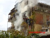 Αναστάτωση από πυρκαγιά σε πολυκατοικία στη Νέα Χώρα (Και βίντεο)