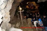 """«ΑΓΙΑ ΝΥΚΤΑ» Στο σπήλαιο της Μαραθοκεφάλας μ"""" εκατοντάδες προσκυνητές ( Και βίντεο)"""