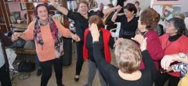 ΣΤΟ ΚΑΠΗ ΝΕΑΣ ΧΩΡΑΣ – Διασκέδαση ηλικιωμένων στον ρυθμό των Χριστουγέννων (Και βίντεο)