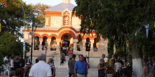Εκατοντάδες προσκυνητές την παραμονή στην Αγία Μαρία Μαγδαληνή