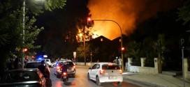 Παρανάλωμα του πυρός το κτήριο του Πολεμικού Μουσείου Χανίων (Και βίντεο)