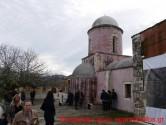 Πλήθος πιστών στο εορταζόμενο παλιό μοναστήρι του Αγίου Ελευθερίου στις Μουρνιές