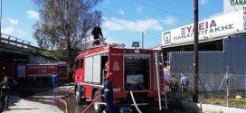 Πυρκαγιά σε ξυλεμπορικό στα Χανιά (Και βίντεο)