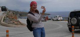 Ξένοι περιπατητές στον Ίλιγγα και τα Γλυκά Νερά Σφακίων