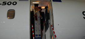 Η άφιξη του Αγίου Φωτός στον αερολιμένα Δασκαλογιάννη