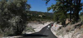 Ασφαλτοστρώθηκε ο δρόμος της προσωρινής γέφυρας από και προς τον Αλικιανό (Και βίντεο)