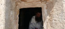 Χιλιάδες προσκυνητές σ' εκκλησίες κι εξωκλήσια αφιερωμένα στη Μεταμόρφωση του Κυρίου