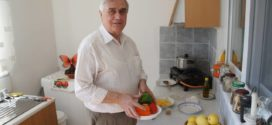 Μια νόστιμη μαγειρική συνταγή, αυγά με κολοκυθάκια από νοικοκύρη – Βίντεο