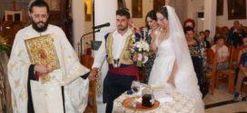 Ένας ωραίος γάμος με άρωμα παράδοσης από τα περασμένα… (Και βίντεο)