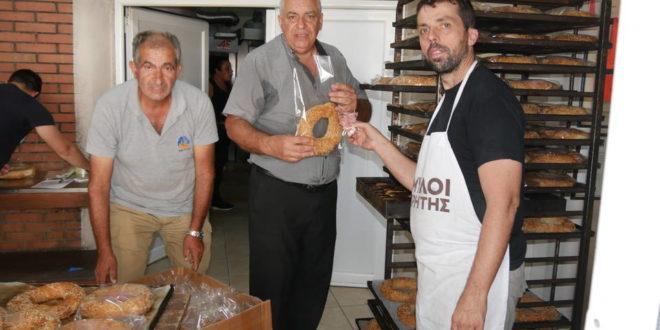 Γαμοκούλουρα στον ξυλόφουρνο Αγίου Νεκταρίου στα Παχιανά (Και βίντεο