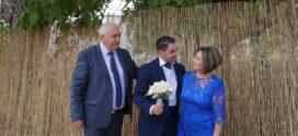 Στιγμιότυπα από τον θαυμάσιο γάμο του Ηλία Κάκανου και της Δέσποινας  Μάρακα (Και βίντεο)