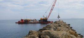 Άρχισαν οι εργασίες στο λιμάνι Κολυμπαρίου (Και βίντεο)