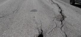 Επικίνδυνα ρήγματα στο οδόστρωμα μεταξύ Καληδονίας και Πλακαλώνων