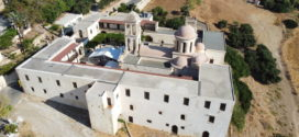 Πετώντας πάνω από την Ιερά Πατριαρχική και Σταυροπηγιακή Μονή Οδηγητρίας Γωνιάς Κολυμπαρίου