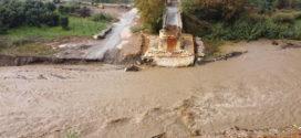 Ολονύχτια βροχή που συνεχίζεται σε όλο το Νομό προκαλώντας πολλαπλές ζημιές