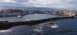 Το λιμάνι στα Χανιά με ησυχία εξαιτίας της καραντίνας