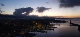 Το παλιό λιμάνι στα Χανιά με σούρουπο