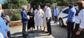 Σε στενό οικογενειακό περιβάλλον τελέστηκε το μνημόσυνο του Κωνσταντίνου Μητσοτάκη