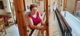 Νοικοκυρά και δασκάλα του αργαλειού στο Καστέλι Κισάμου