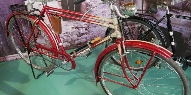 Έκθεση κλασικού ποδηλάτου στο παλιό λιμάνι